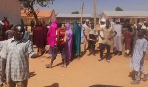 ggss jangebe - images 7 5 300x177 - Nearly 300 School Girls At GGSS Jangebe Zamfara are Believed to Be Abducted ggss jangebe - images 7 5 - Nearly 300 School Girls At GGSS Jangebe Zamfara are Believed to Be Abducted