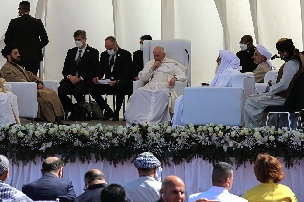 pope francis delivers sermon in baghdad church - 1000 4 - Pope Francis delivers sermon in Baghdad church