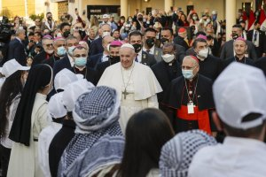 pope francis delivers sermon in baghdad church - 1000 300x200 - Pope Francis delivers sermon in Baghdad church