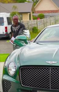 israel adesanya - Ex9a L0W8AMLqBY 192x300 - Mixed Martial Artist and UFC champion Israel Adesanya, buys Dad Bentley: PHOTOS israel adesanya - Ex9a L0W8AMLqBY - Mixed Martial Artist and UFC champion Israel Adesanya, buys Dad Bentley: PHOTOS
