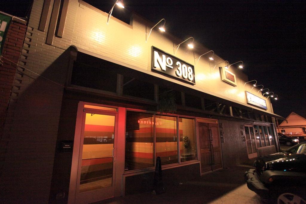 50 States Or Less Bar 308  Nashville TN