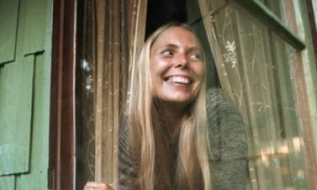 Joni-Mitchell-in-1970-001