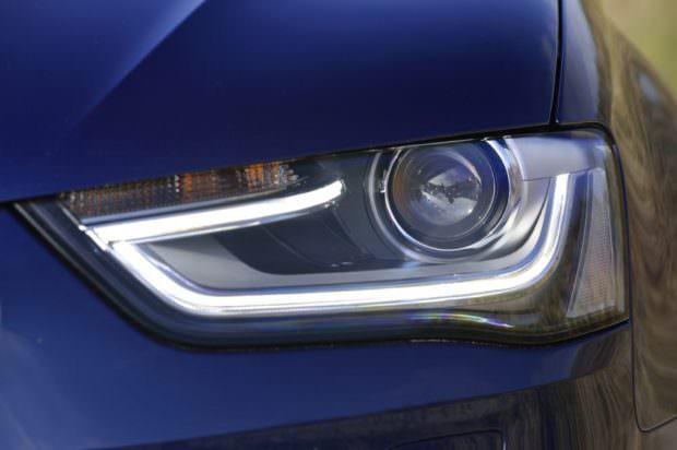 Audi A4 quattro lights