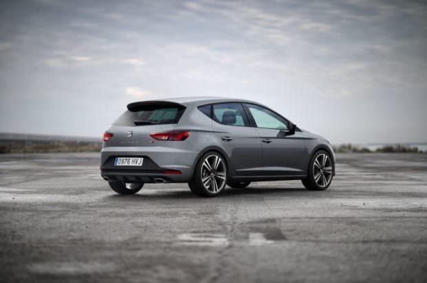 SEAT Leon Cupra grey