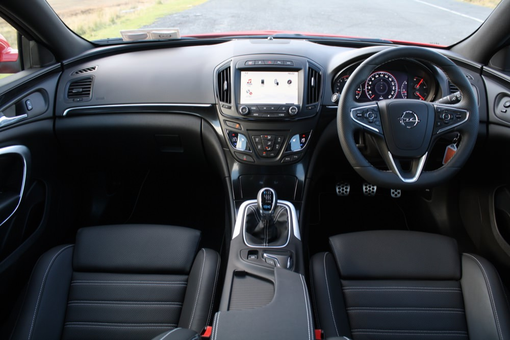 Opel 39 s insignia opc driven for Interior opel insignia 2015