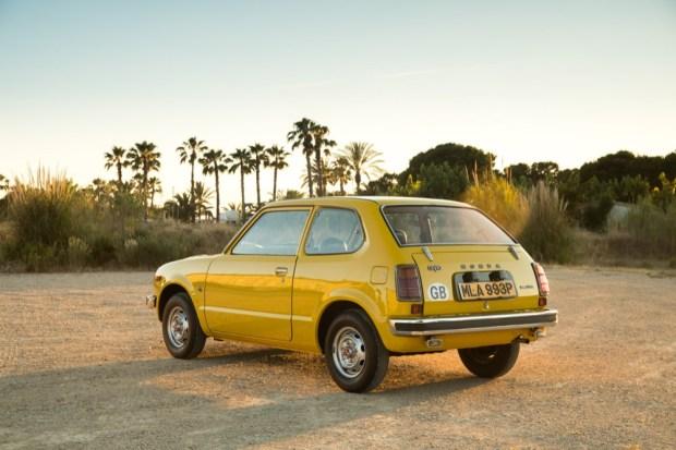 Honda Civic 1976 rear