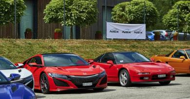 Honda NSX old and new