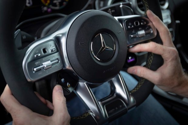 Mercedes-AMG C 63 S steering wheel detail
