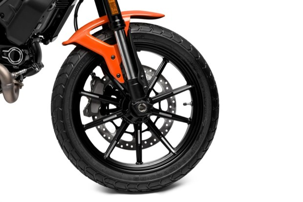 Ducati Scrambler Icon wheel