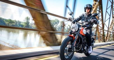 Ducati Scrambler Icon riding