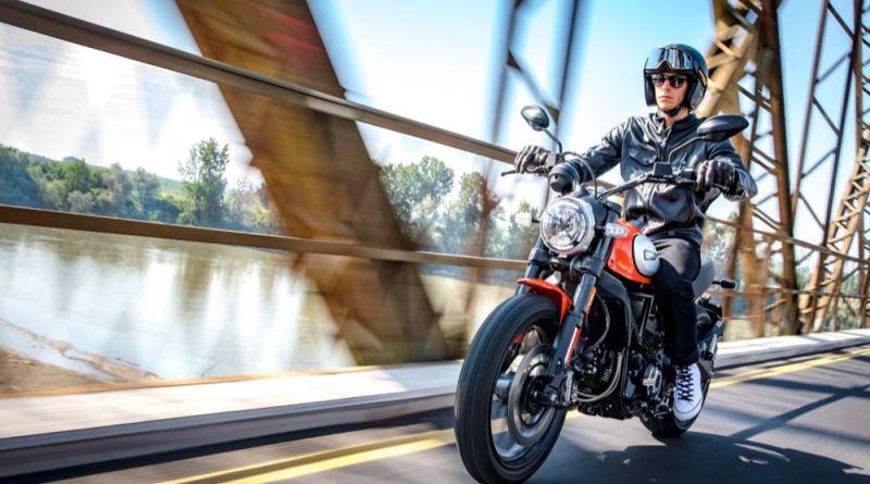 Ducati Scrambler Icon riding