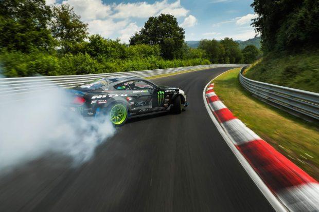 Mustang RTR drifting