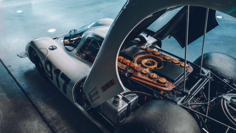 Porsche 917 engine bay