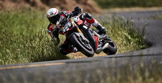 Ducati Streetfighter V4 racing