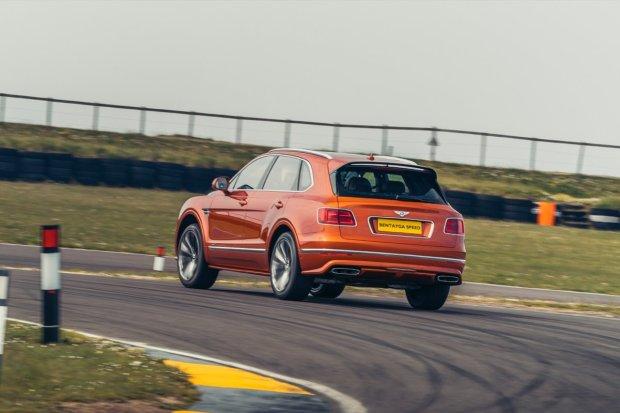 Bentley Bentayga Speed cornering