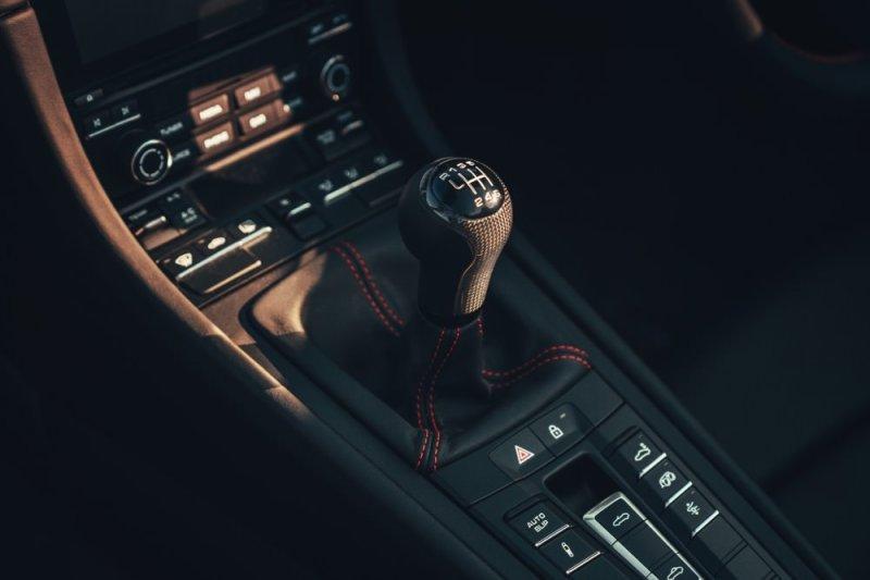 911 Speedster gear shifter