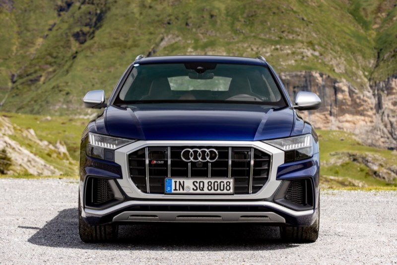 SQ8 front