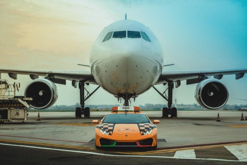 Lamborghini Huracan RWD front