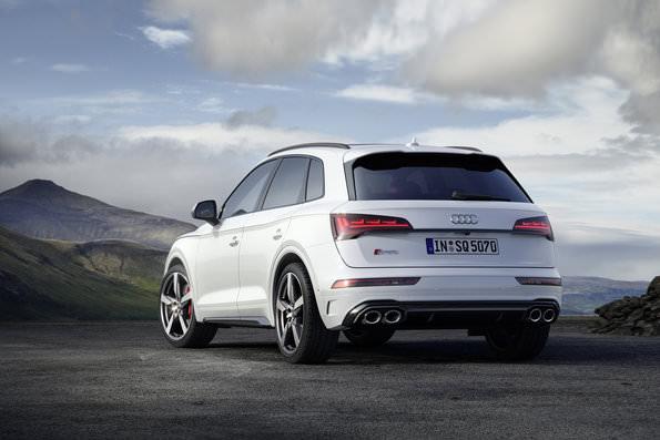 Audi SQ5 2021 rear