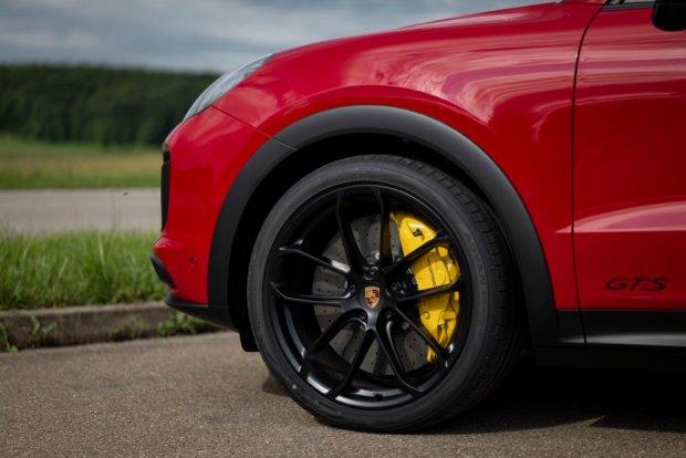 Porsche Cayenne brakes