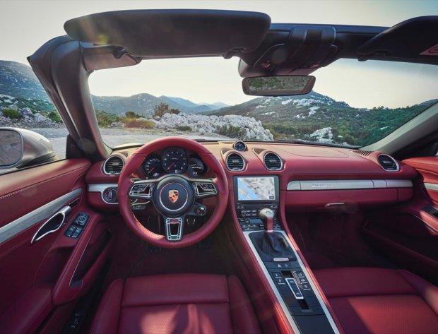 Porsche Boxster 25 interior