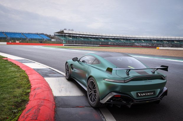 Aston Martin Vantage F1 Edition rear