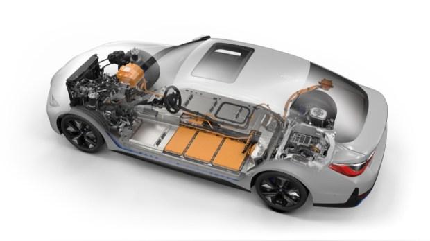 BMW i4 M50 battery