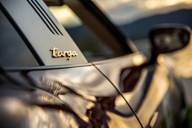 Porsche 911 Targa 992 badge