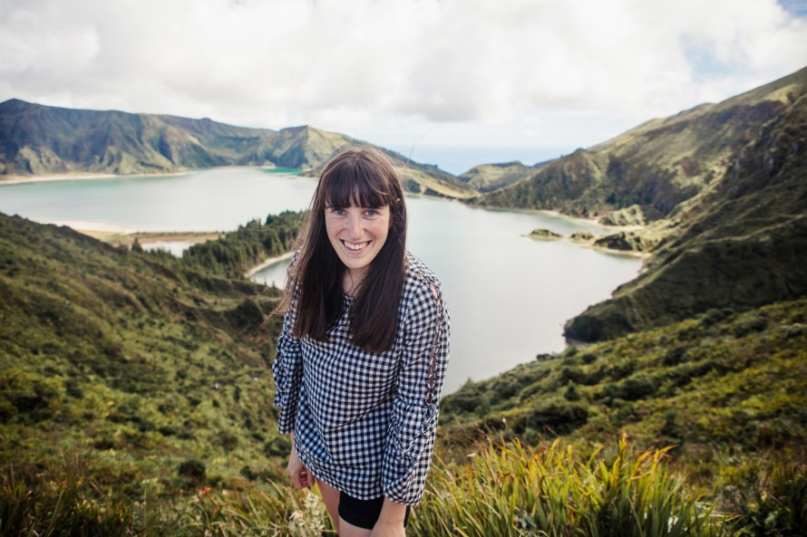 Carly in front of Lagoa do Fogo