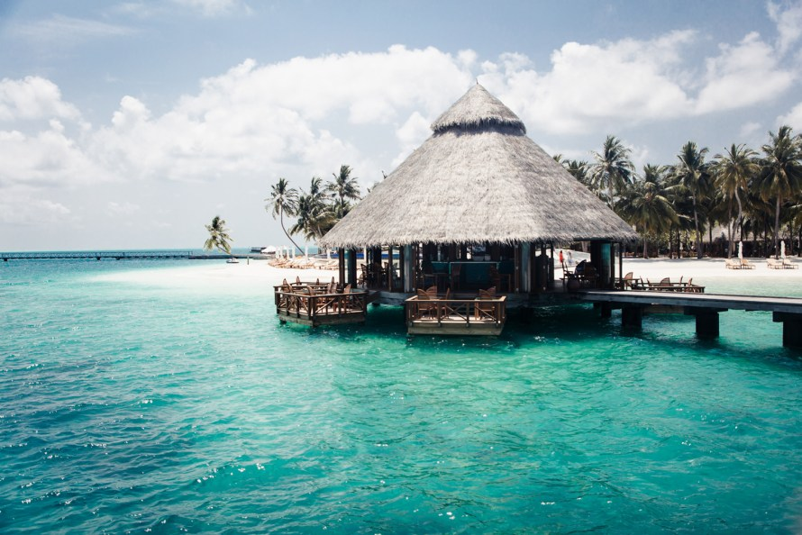 Ithaa undersea restaurant from above