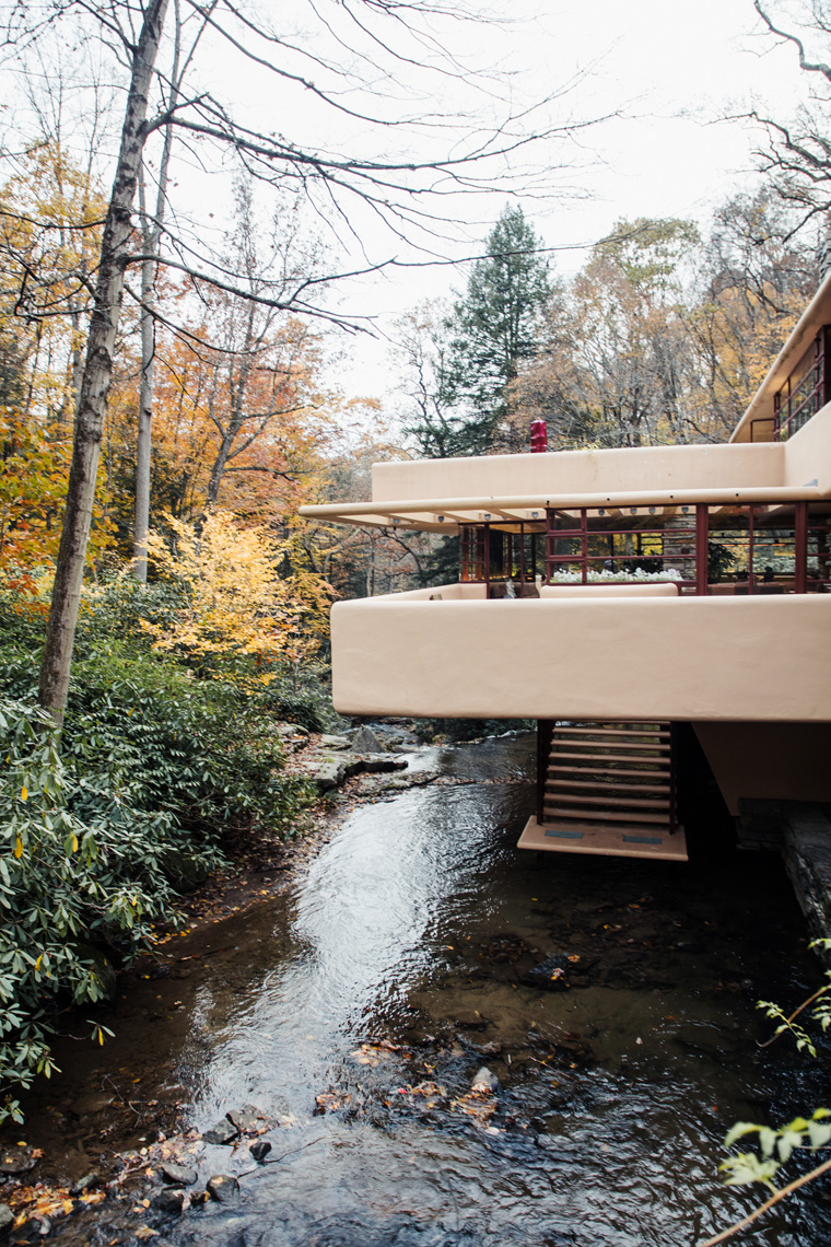 Frank Lloyd Wright Fallingwater on the river