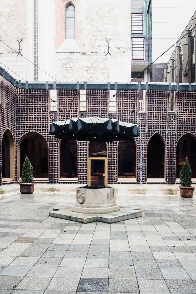 Hilton Budapest courtyard