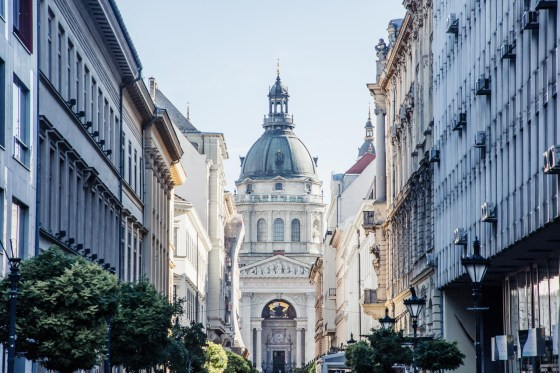 Budapest itinerary - Pest shopping street