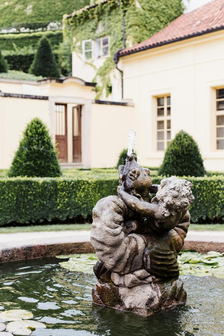 Vrtbovská zahrada fountain - Prague two day itinerary