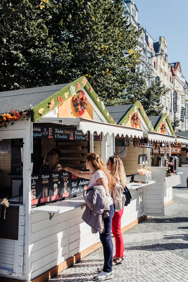 Food stands - Prague two day itinerary