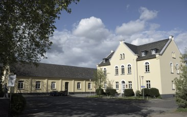 Zollhof IV