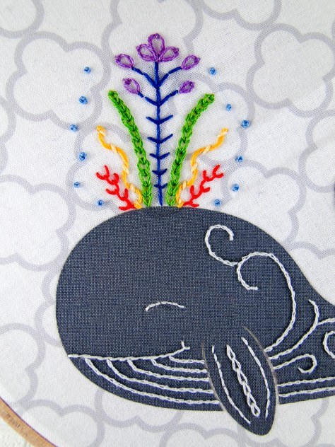 I'm wrapping this up with a nice close up or the happy whale and his rainbow colored blow :)