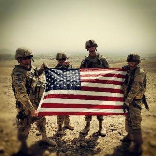 362121229c9aeec34c544a666ab20c92--american-soldiers-american-flag
