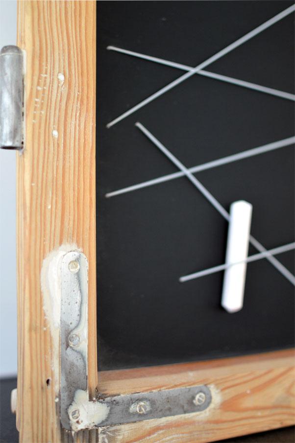 recyclingdesign aus alten fensterrahmen memoboard selber machen ich designer. Black Bedroom Furniture Sets. Home Design Ideas