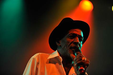 101025-gregory-isaacs-hmed-10a.grid-6x2