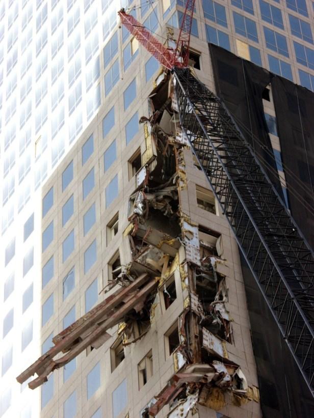 WTC-Debrie2138-768x1024