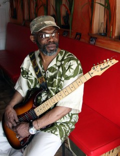 milton henry will perform at the Notes by B. Digi in stapleton