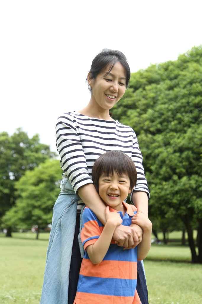 武蔵国分寺公園男の子とママ