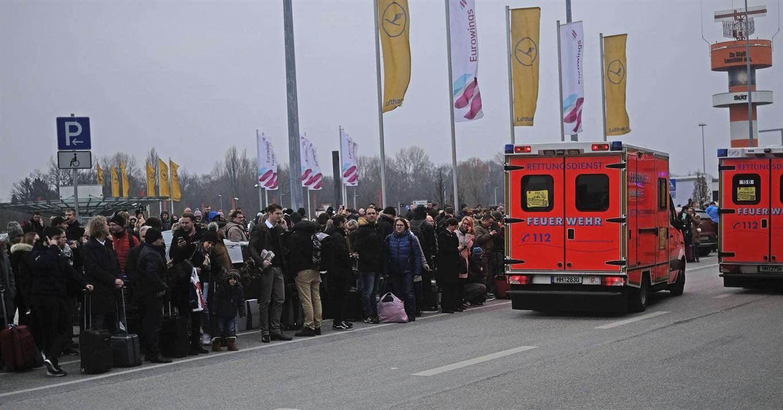 Hundreds Evacuated At Hamburg Airport; Toxic Air Suspected