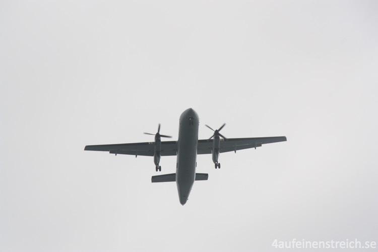 Erdbebenflugzeug_wm