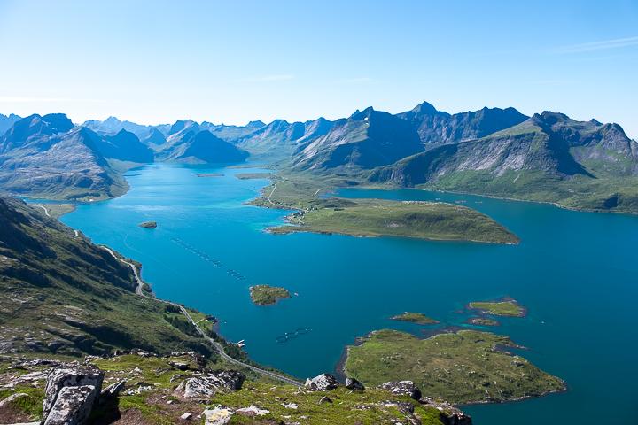 58GradNord - Mit Kindern wandern Nordnorwegen Lofoten - Aussicht vom Volandstinden