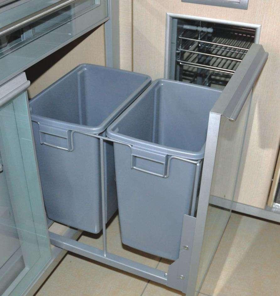 tall kitchen bin faucet with side sprayer 机智的人把垃圾桶放这里 高大的厨房垃圾桶