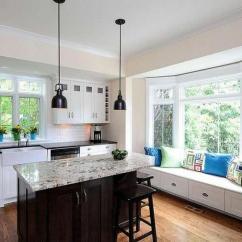 Corner Booth Seating Kitchen Pendant Lighting 欧美时尚家居 10种带窗户座位的厨房 来自家装的最新潮流 利用带有内置存储窗的座位的厨房角落