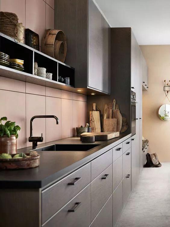 slate kitchen faucet free standing sink unit sale 告别老干部风 这才是现在最流行的厨房设计 龙头 厨房台面一直是石英石 花岗岩 人造石这些材质的天下 但最近台面界出现了一位备受宠爱的新贵 它就是有 建材界金刚狼 之称的 岩板 sintered stone