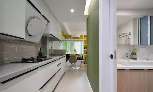 tiny house kitchens granite kitchen counter tops 一家三口挤在49 小房子 进门就是厨房 老婆却开心哭了 空间